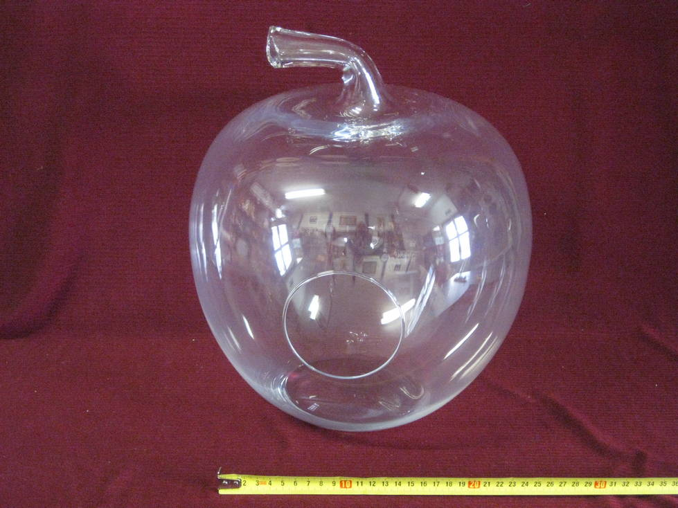 Obuolys stiklinis