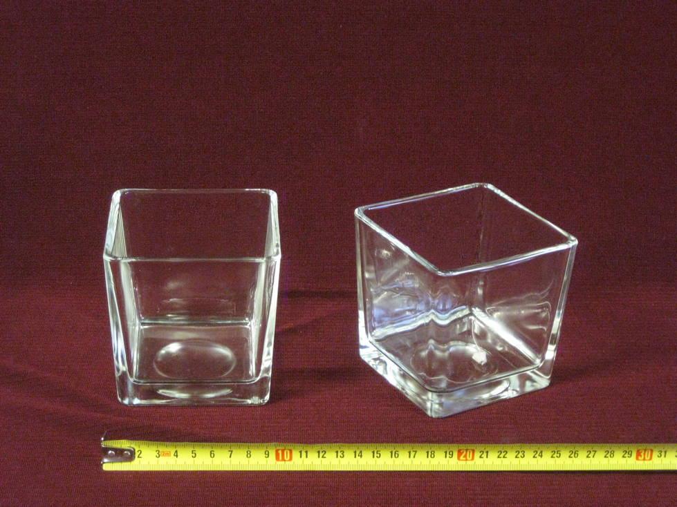 Vazonas stiklinis kampuotas