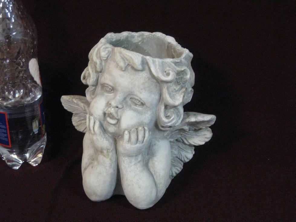 Vazonas keramikinis angelas