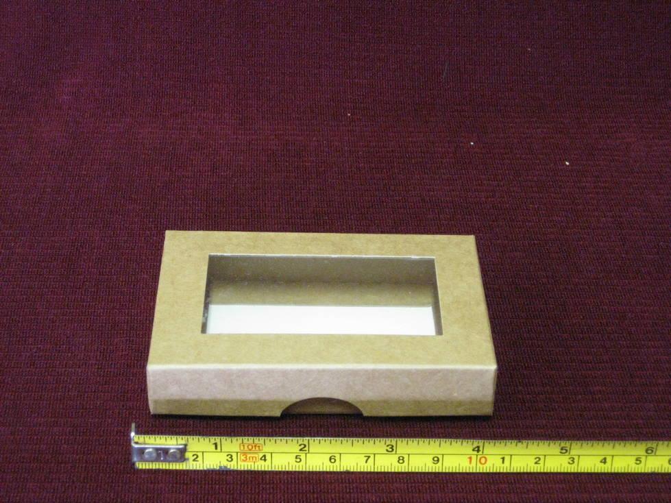 Dėžutė popierinė su langu
